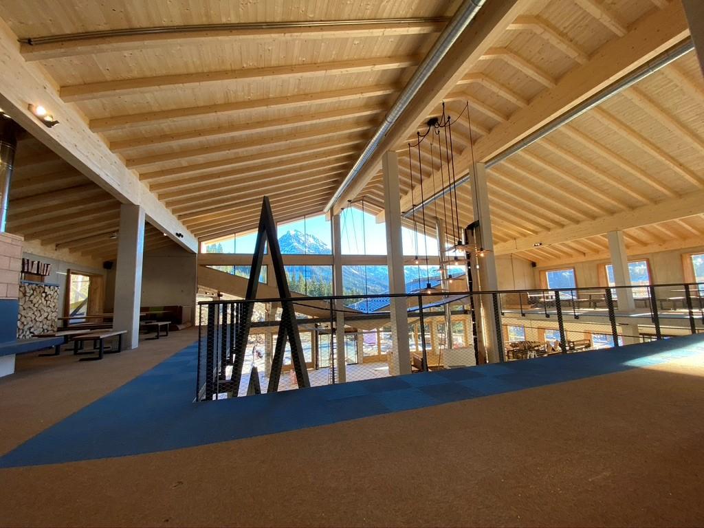 Lumberjack Foodhall mit Sichtdecke