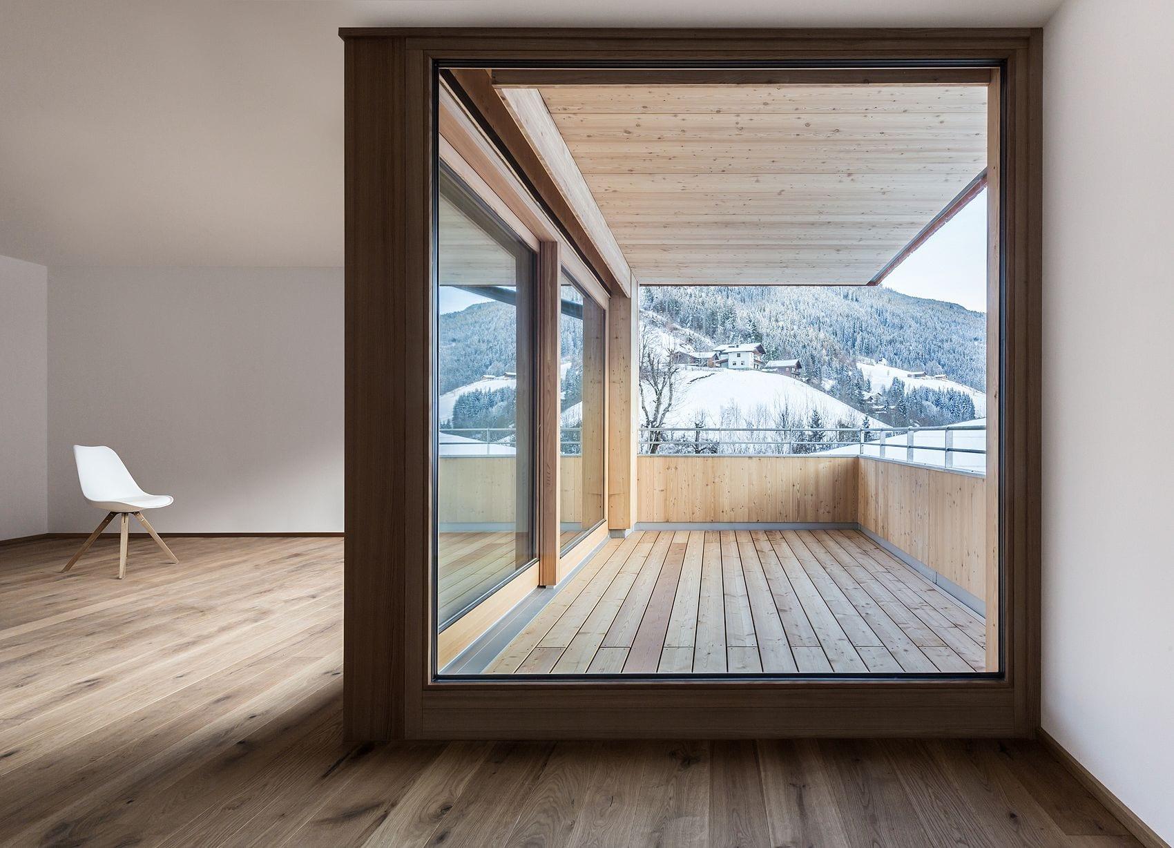 Wohnbau Haid Blick auf Terrasse