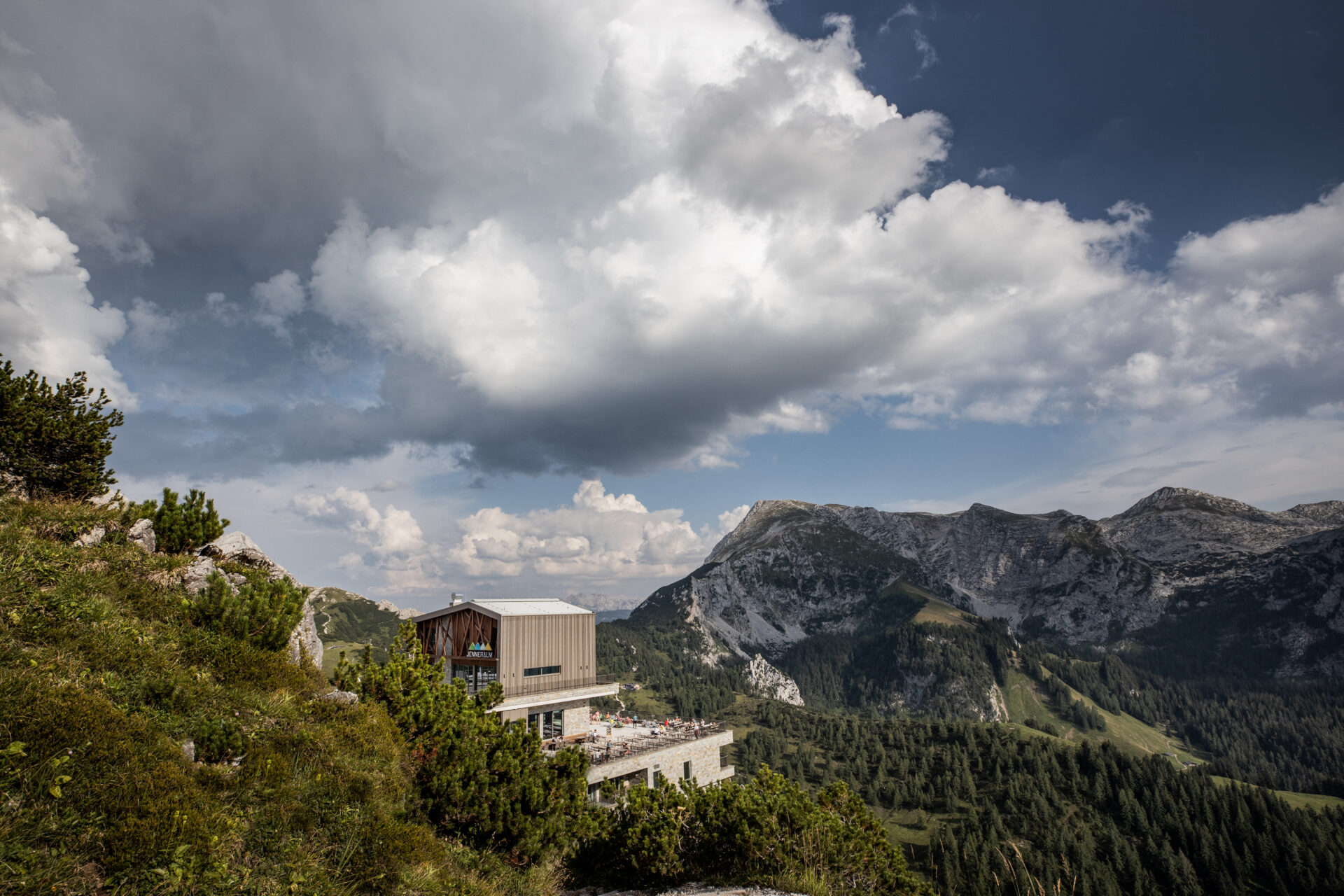 Jennerbahn Panorama mit Bergstation