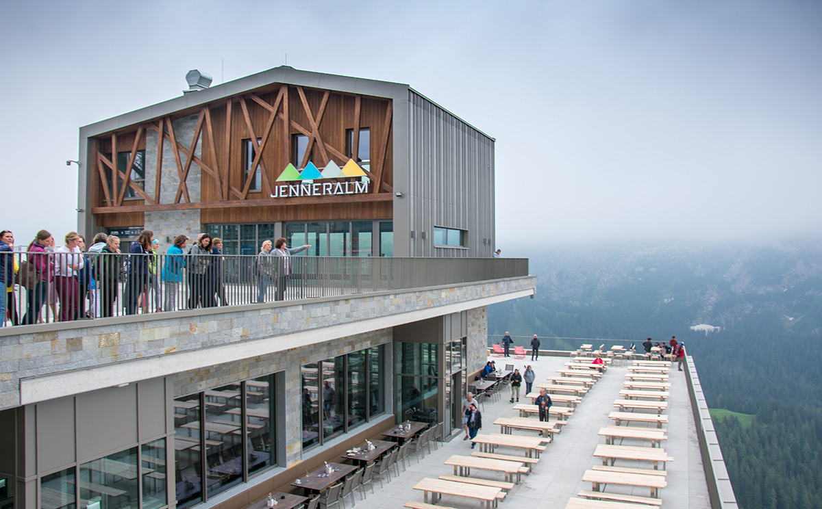 Jennerbahn Bergstation mit Terrasse